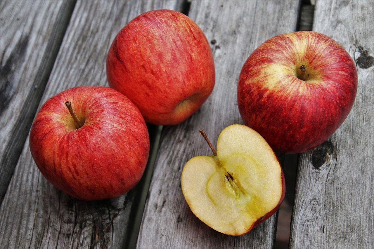 recette du quatre-quarts aux pommes